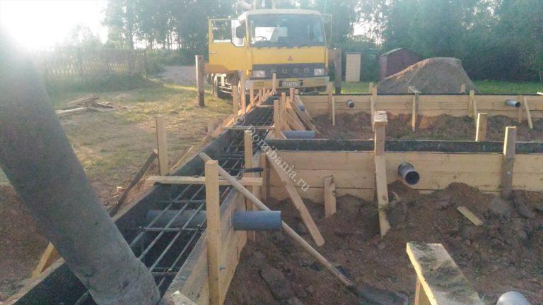 заливка бетононасосом